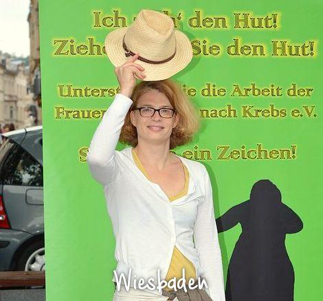 Wiesbaden_Reporterin der Tageszeitung_max720x540