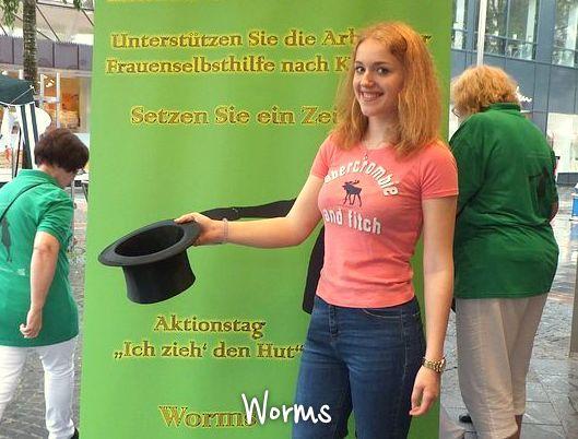 Worms_DSCF1301_max720x540